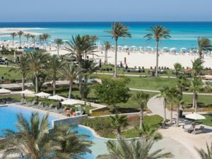 نادي الشاطئ في مراسي الساحل