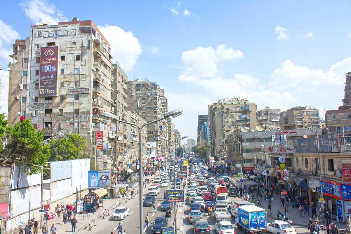 حي الدقي شوارع مزدحمة