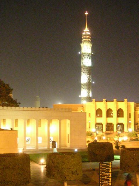 رؤية برج القاهرة في الزمالك