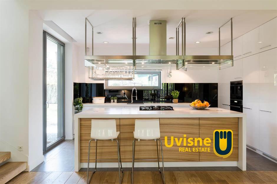 تصميمات متنوعة لـ تقسيم الوحدات الداخلية في المطبخ