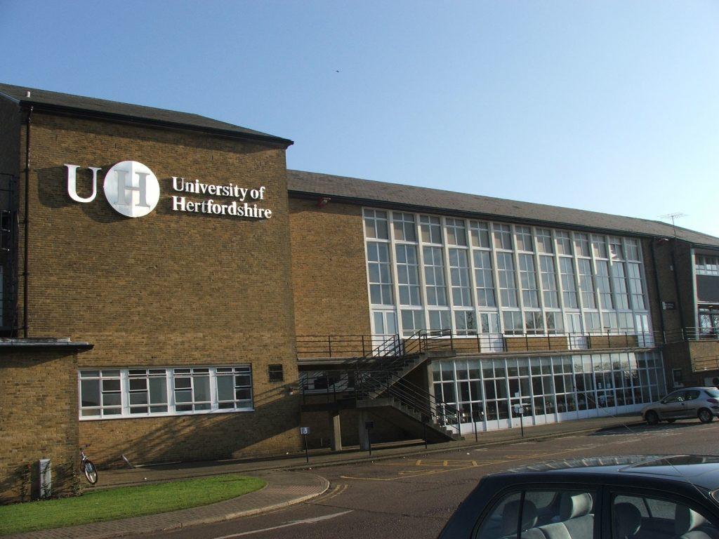 جامعة هيرتفوردشاير البريطانية